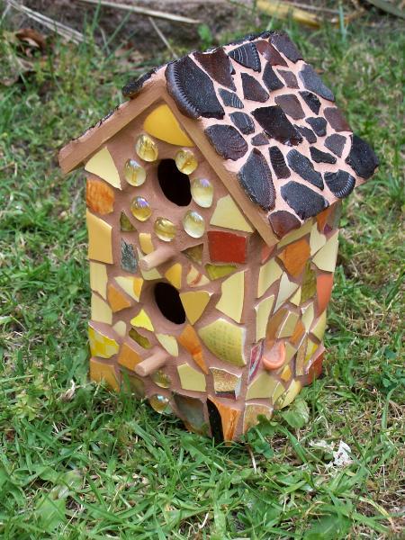 Garden designs and ideas pictures - Birdhouse Julie Boegli Creative Mosaic Design