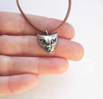 Little Cat face charm pendant cat necklace jewelry on leather