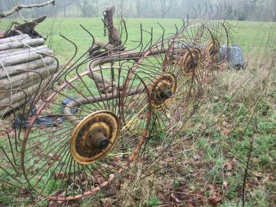 Wheels within wheels (hay turner)