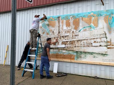 """Mural """"River Queen"""" - hanging"""