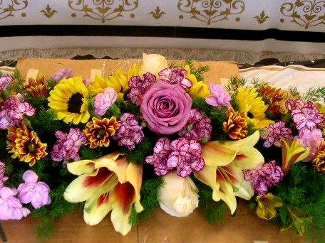 Does The Photo Look Like A Horizontal Floral Arrangement Or Dining Table Runner This Shows Made At Classroom Of
