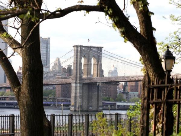 Brooklyn Bridge in Spring