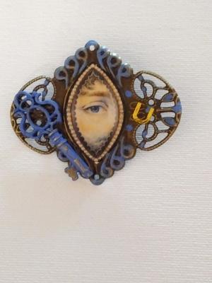 Blue Victorian Sweetheart brooch