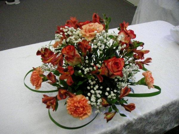 Flat Colorful Centerpiece And All Round Floral Arrangements California Flower Art Academy