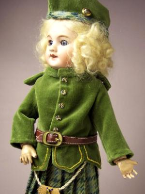 Costume d'Écossaise in GREEN 1917