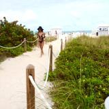 Bikini Walking