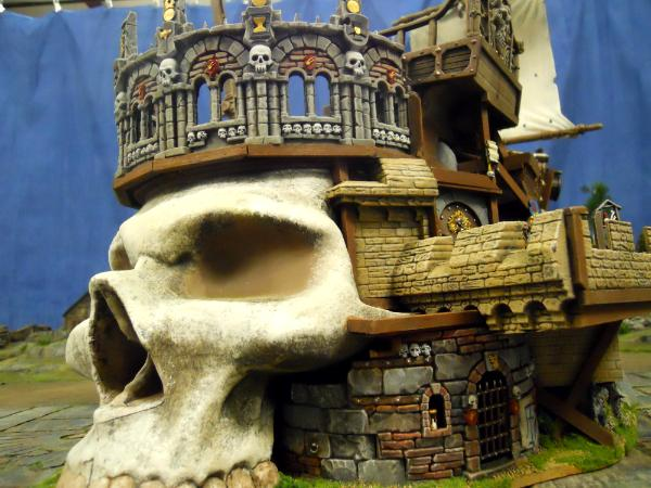 Skulls & Ships Inn (entrance)