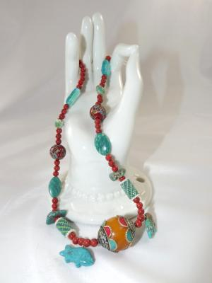N-126 Red Agate Beaded Necklace w/Resin Focal Bead