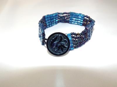 B-12 bright blue cube & oil slick blue seed bead bracelet