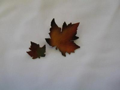 MAPLE LEAF - lapel and brooch