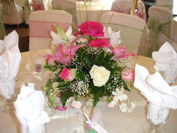 Flower Centerpieces For Wedding Guest Table Decoration