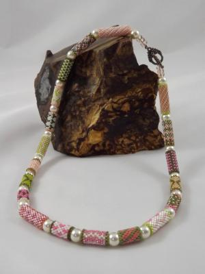 N-20 Pink & Green Beaded Bead Necklace