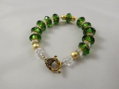B-84 green glass rondelle bracelet