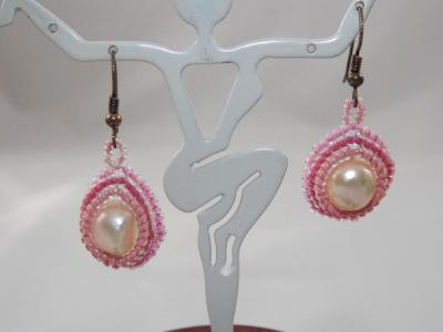E-54 White Pearl & Pink Bead Earrings
