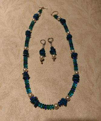 Glass pearls and turquoise set