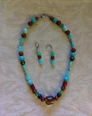 glass and wooden bead set
