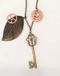 """18"""" antique gold chain with Key&  charms necklace"""
