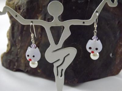E-82 Lavender Cat Earrings
