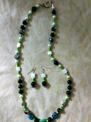 Green and black glass set