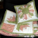 Tulip Bed Quilt with Cushion