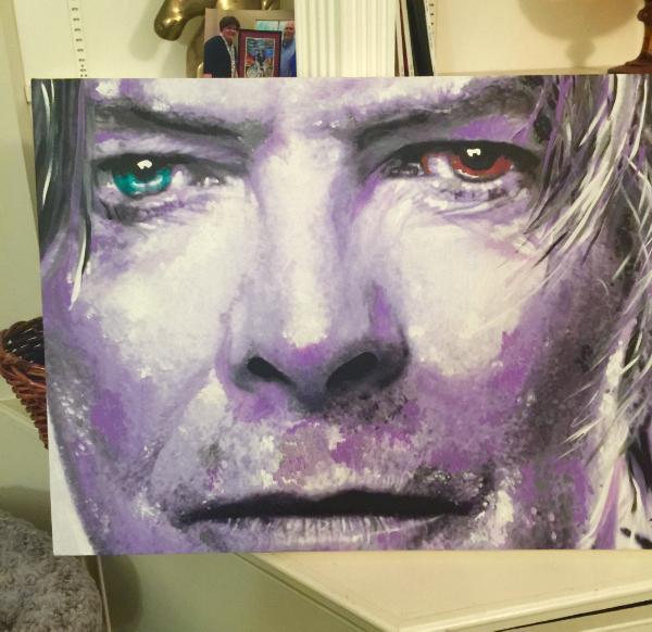 Green eye brown David Bowie