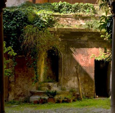 Hidden garden, Rome
