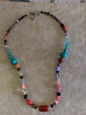 Mixed shades necklace