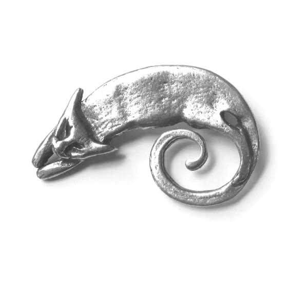 Cat brooch / cat pin cast in pewter from an original design
