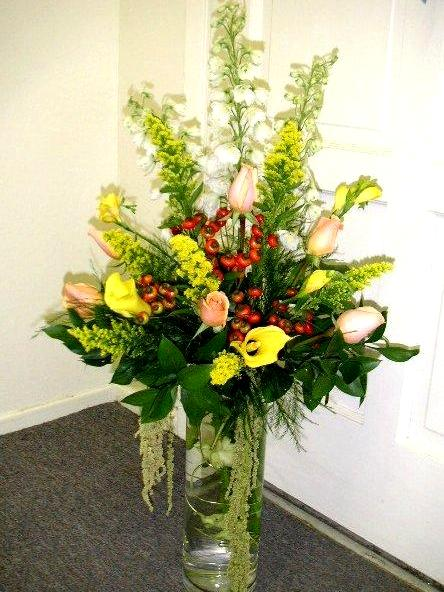 Cylindrical Glass Vase Entry Flower Arrangement California Flower Art Academy
