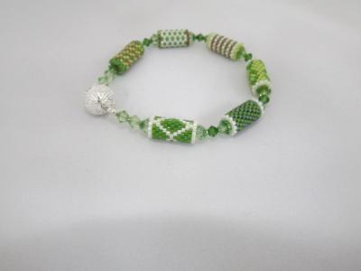 B-55 shade of green bead tube bracelet